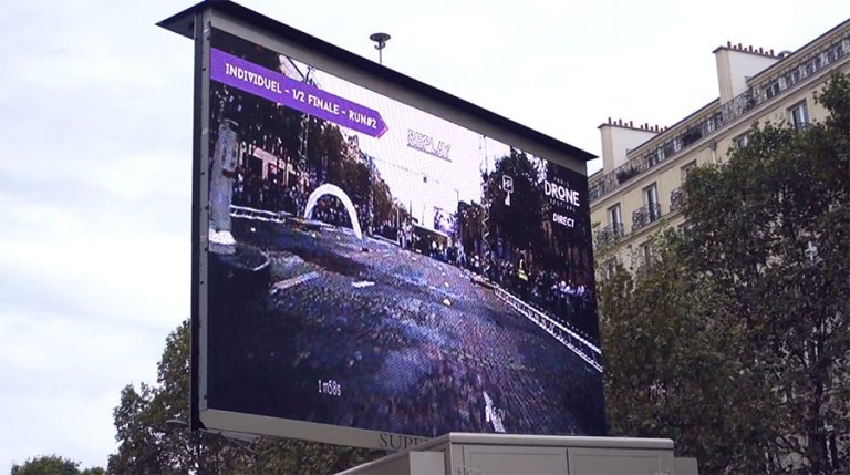 Paris-drone-festival-ecran
